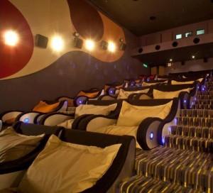veve kino beaniePlesx Malajzia